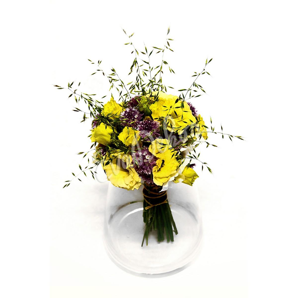 Svatební kytice Eustoma v kouli - EvaDekor rovoz květin po Praze