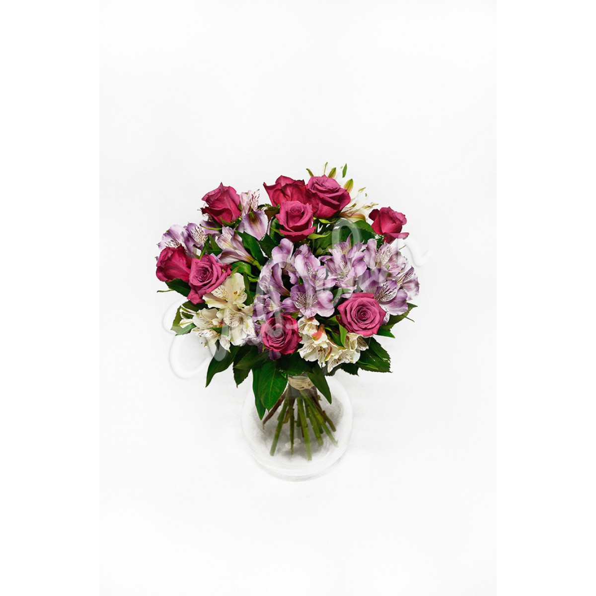 Alstroemerie a růže - Evadekor.cz rozvoz květin